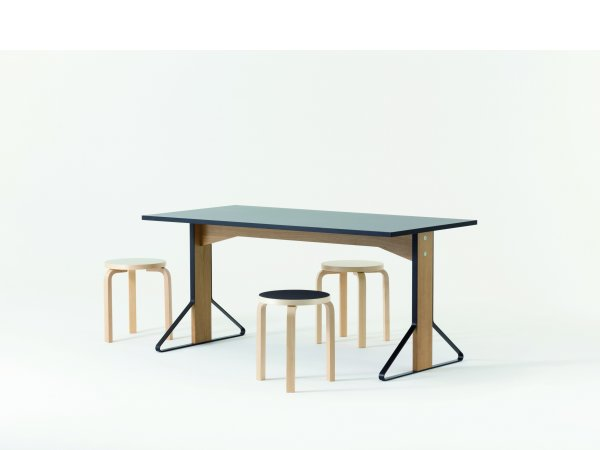 Artek, Kaari REB 012 Table